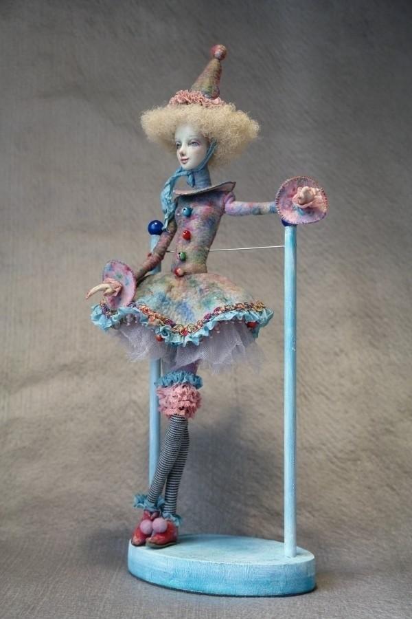 Куклы своими руками на подставке